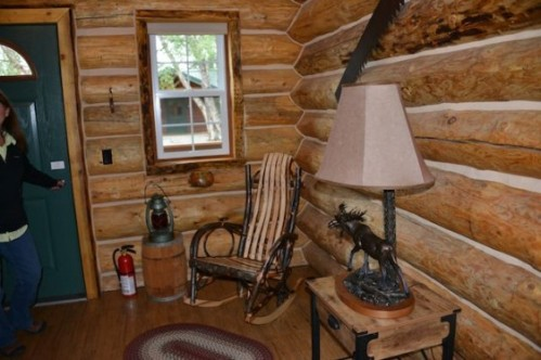 cabins-7815-562x374