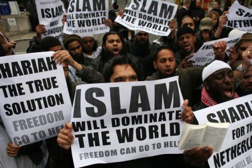 MuslimsIslamDominateWorldWilders-s
