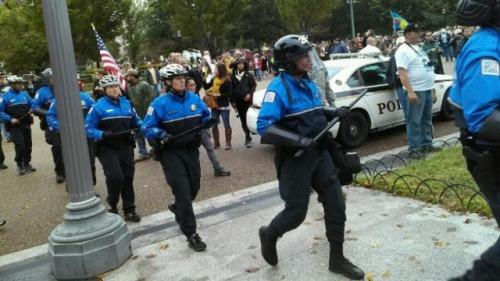 riot gear police